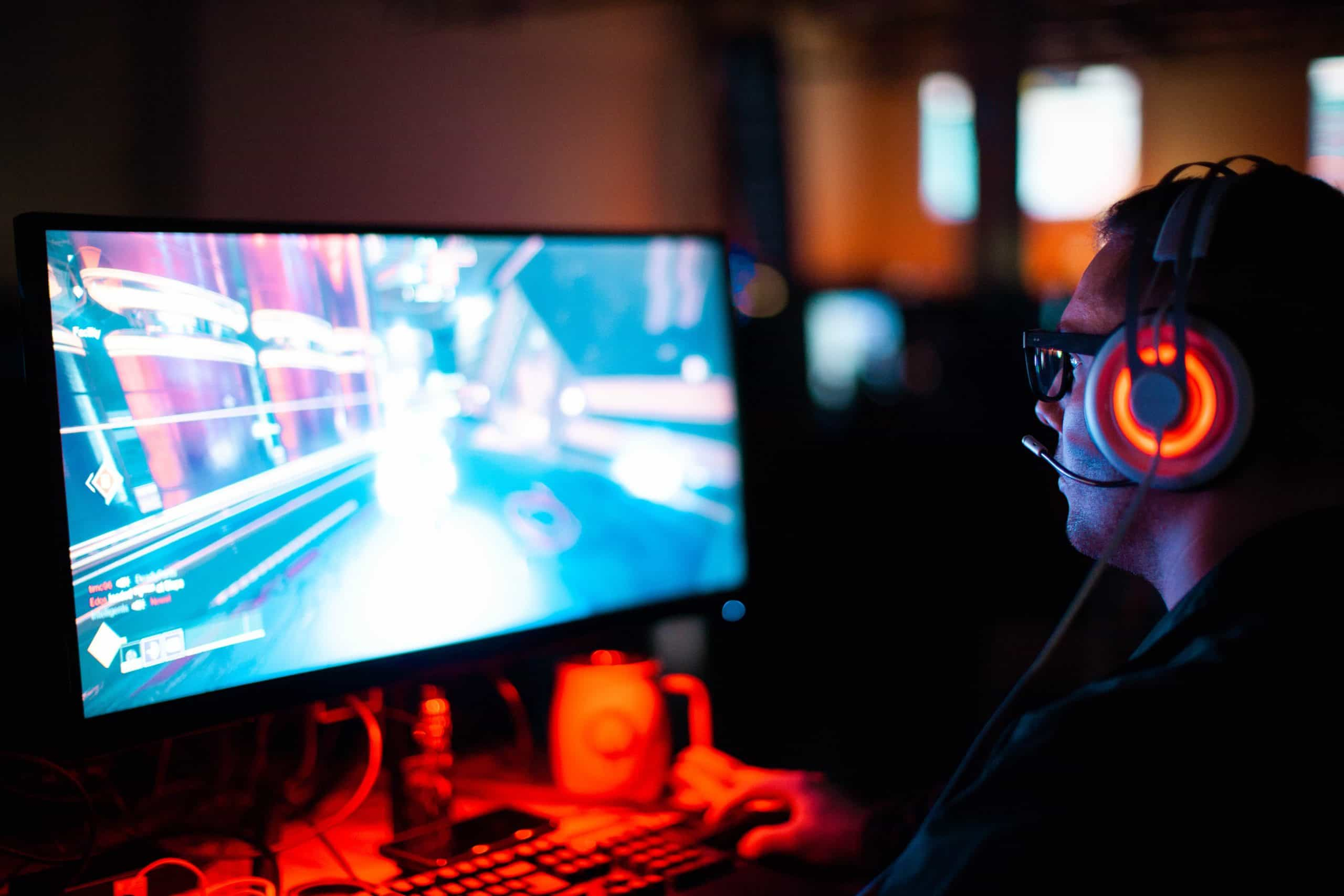 How to Become a Pro Gamer: Several Tips from the Pros